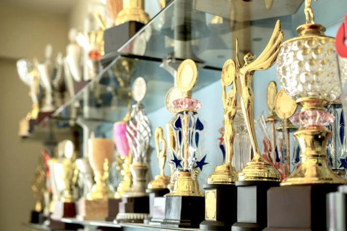 Pokal gravieren bei Böhler Sportpreise in Vorarlberg kaufen